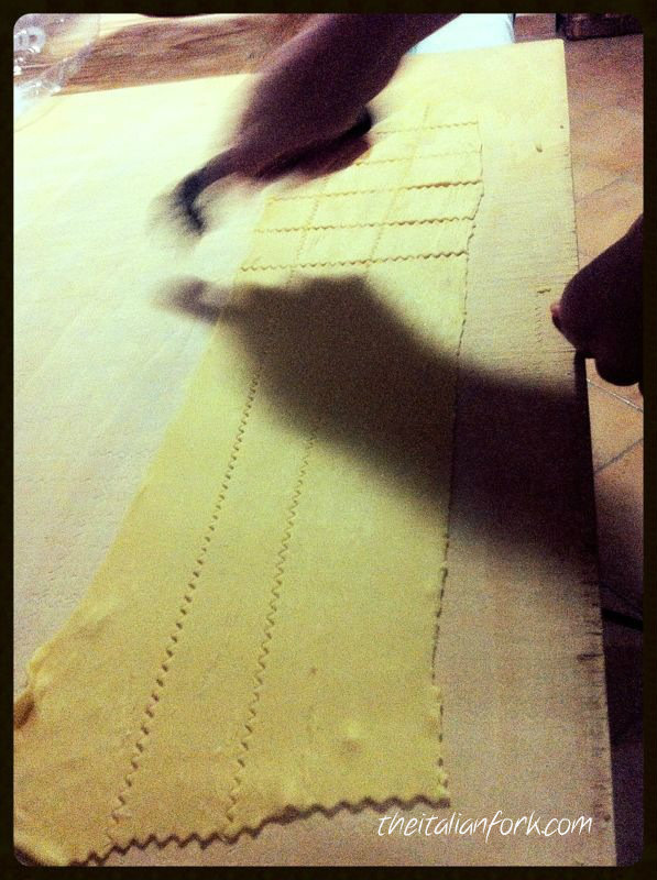 Cutting_pasta2_logo